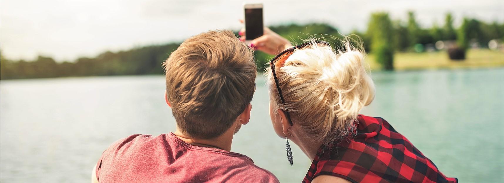 Selfie-Couple-App-Home-Mortgage-Loan